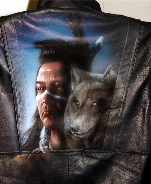 Airbrush auf Lederjacke Indianer Wolf Portrait